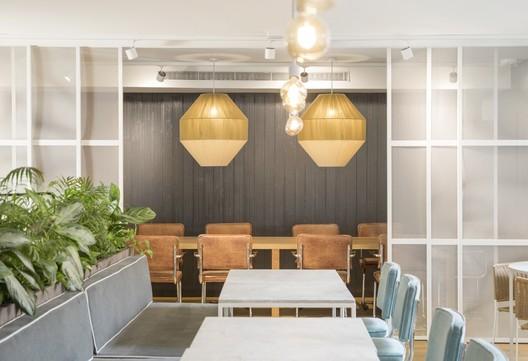 Popeye restaurant estudio miriam barrio archdaily - Miriam barrio ...