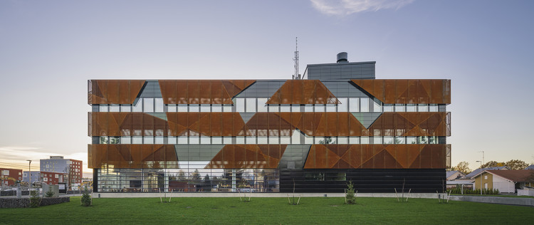 Vantaa Energy Headquarters / Parviainen Architects, © Mika Huisman - Decopic