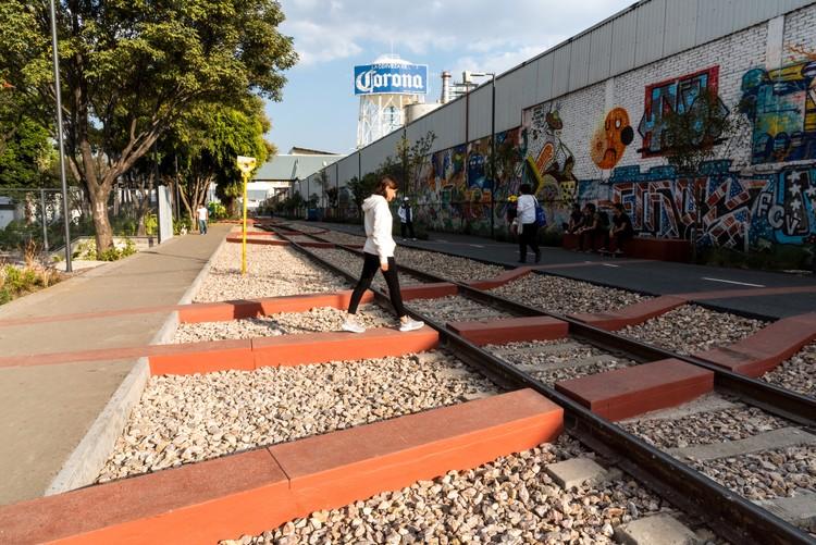 Parque Lineal Ferrocarril de Cuernavaca  / Gaeta-Springall arquitectos, © Arturo Arrieta