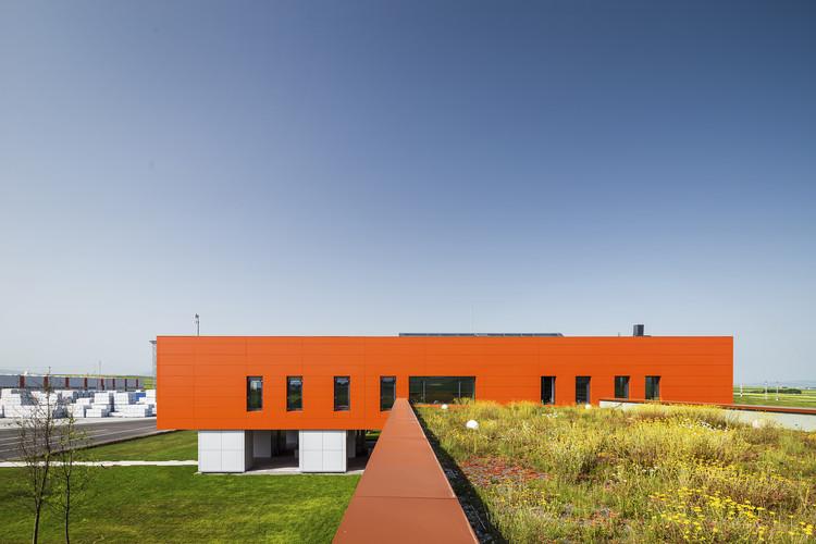 Edificio de Oficinas CLT  / Tecto, © Cosmin Dragomir
