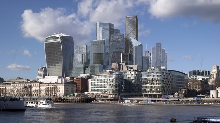 Renders mostram como será o skyline de Londres em 2026 com 13 novos arranha-céus, Vista da Prefeitura. Cortesia de City of London