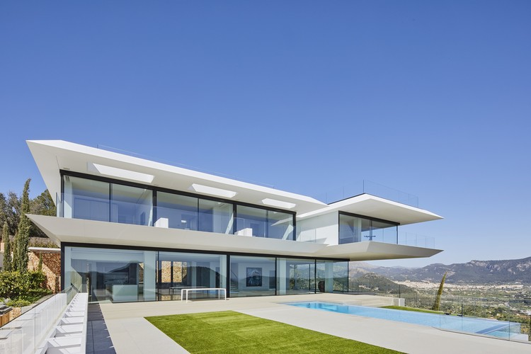 Casa WHERE EAGLES DARE / GRAS arquitectos, © José Hevia