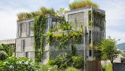 Escritório Moderno da Vila / Ho Khue Architects
