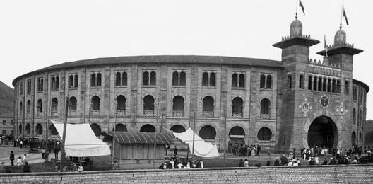 Plaza de toros del Chofre. Image Cortesía de MUGAK Bienal de Arquitectura