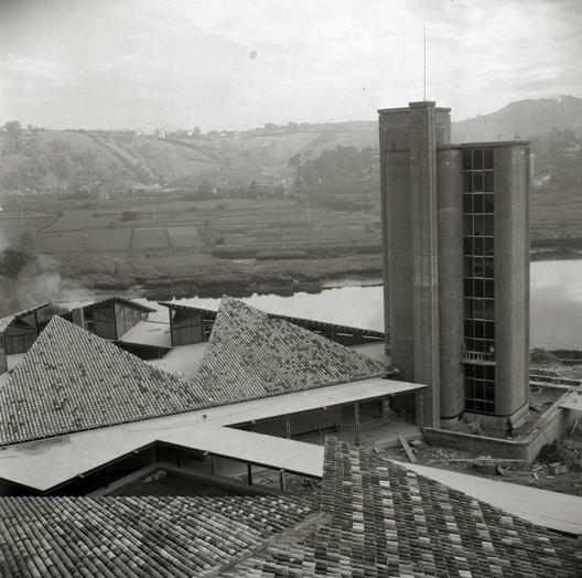 Universidad EUTG. Image Cortesía de MUGAK Bienal de Arquitectura