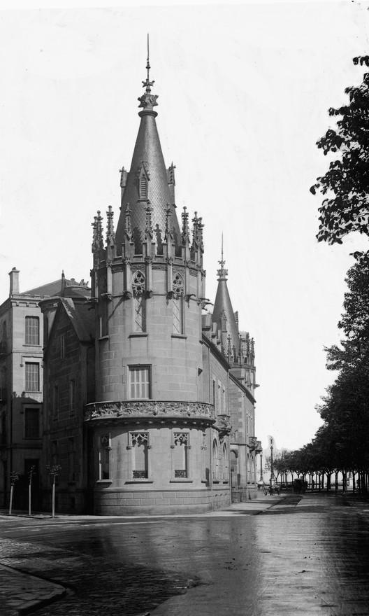 Torres de Arribe. Image Cortesía de MUGAK Bienal de Arquitectura