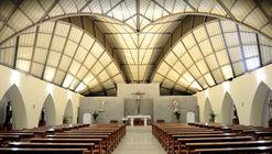 Igreja 'Nuestra Señora de la Consolación' / Allan Cornejo Arquitecto