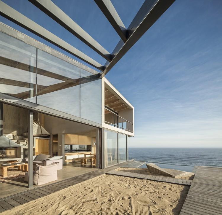 Casa de Playa / Schmidt Arquitectos Asociados, © Aryeh Kornfeld