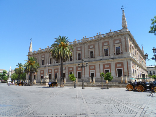 La Lonja de Sevilla . Image © Florian Batalla [Flickr], bajo licencia CC BY 2.0