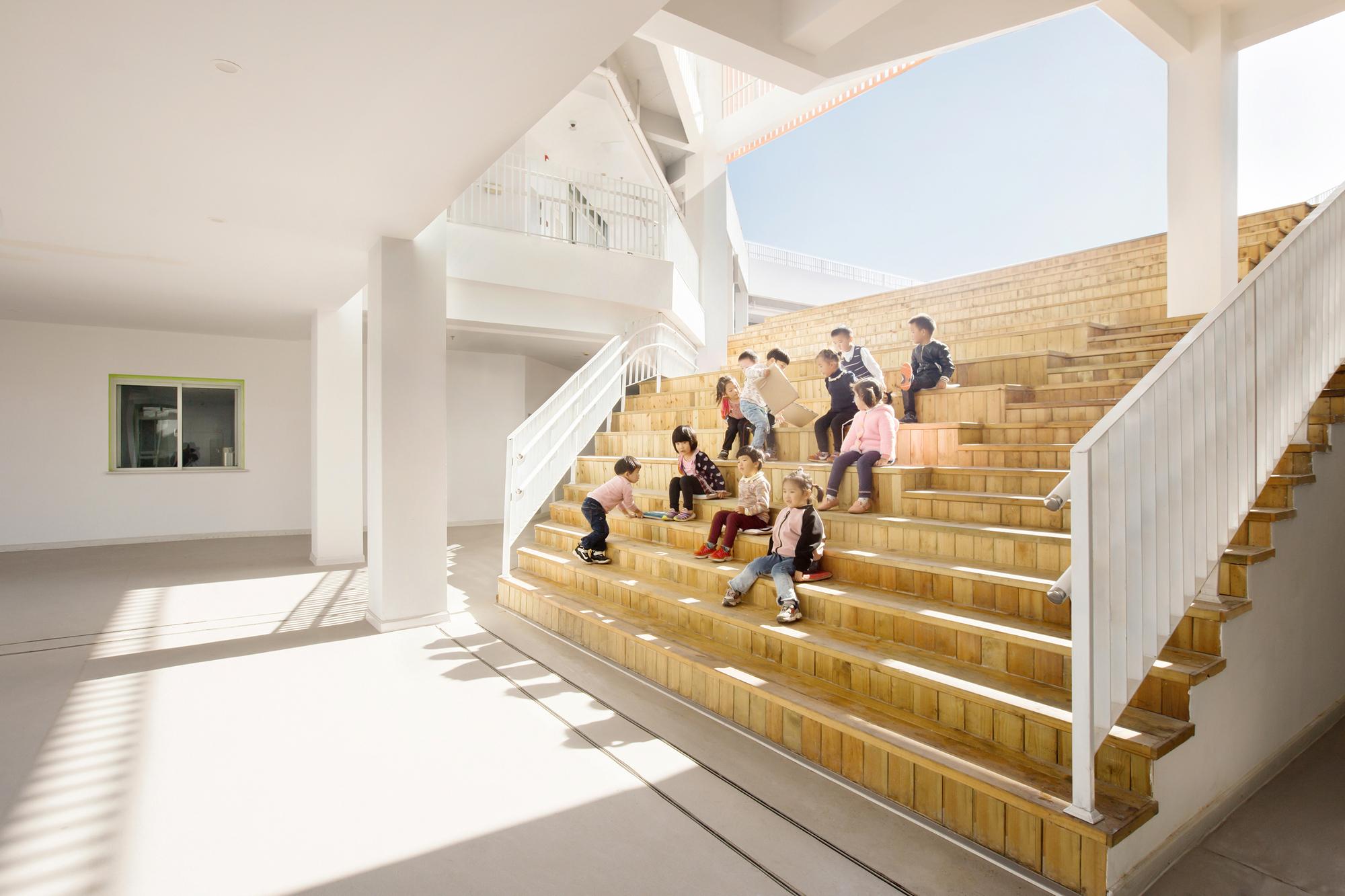 Kinder Garden: Sanhuan Kindergarten / Perform Design Studio