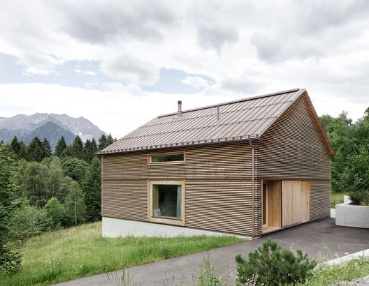 House in Tschengla  / Innauer-Matt Architekten