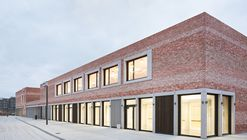 "School and Community Center ""B³ Gadamerplatz"" / Datscha Architekten"