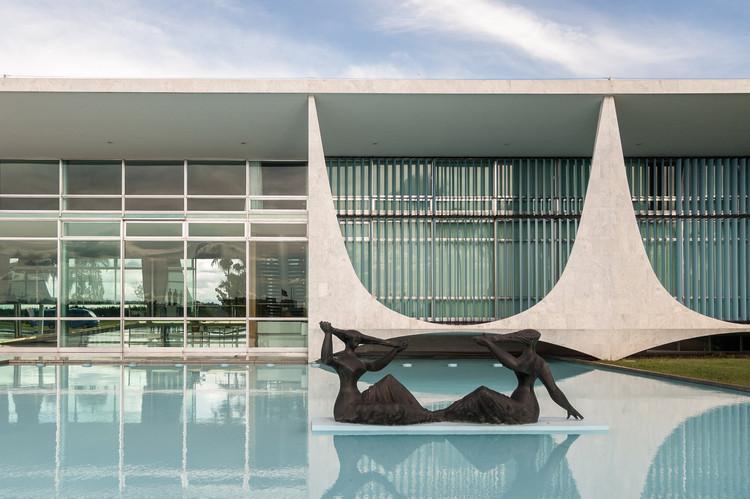 Dia do Arquiteto e Urbanista, comemorado em 15 de dezembro, virou lei nacional, Palácio da Alvorada, Brasília - DF. Image © Joana França