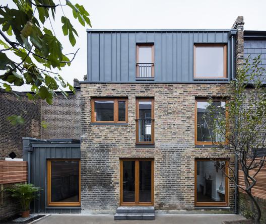 Casa Elfort Road / Amos Goldreich Architecture