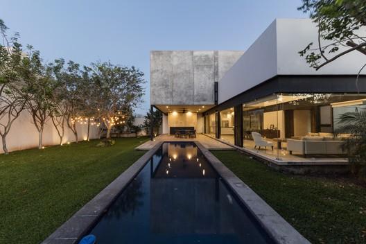House ALTABRISA / Gerardo Boyancé Ancona