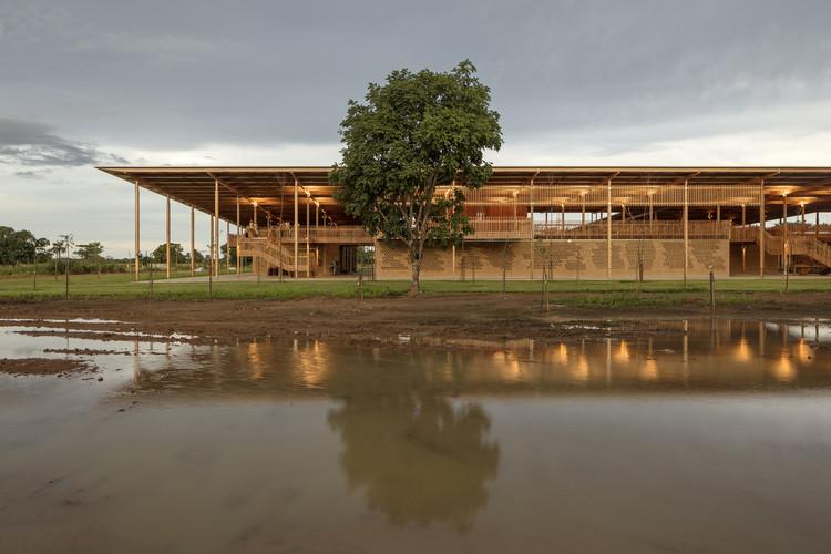 Guia de arquitetura da região Norte do Brasil, Moradias Infantis. © Leonardo Finotti