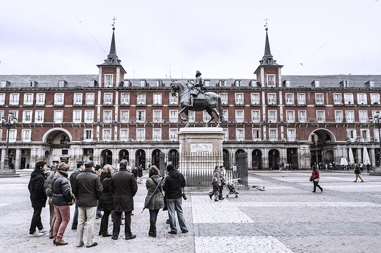 Iniciativa social busca declarar moratória contra a turistificação de Madri, Plaza Mayor de Madri. Image © Fernando Galán Hernández [Flickr], (CC BY 2.0)