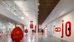 Experimenta en Rojo - Paisajes Lúdicos / Paschetta Cavallero Arquitectos