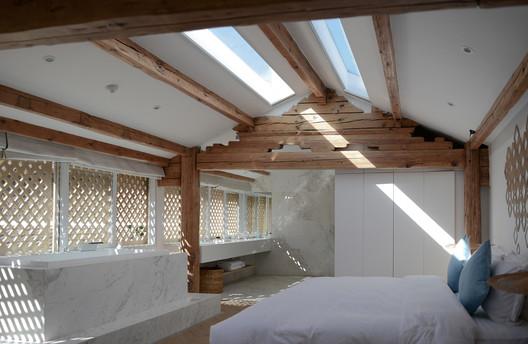 Room with Skylight. Image © Joao Lemos