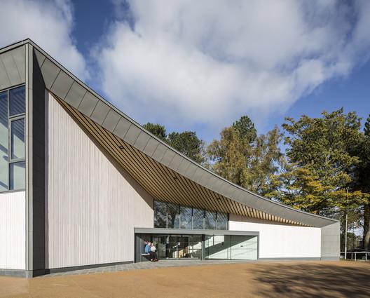 The Hawkhead Centre / Page\Park Architects