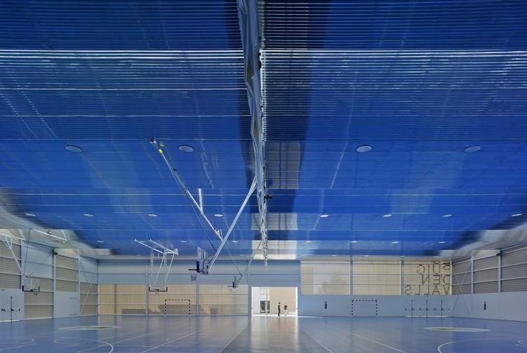 Centro Deportivo Es Puig D'En Valls / MCEA | Arquitectura, © David Frutos