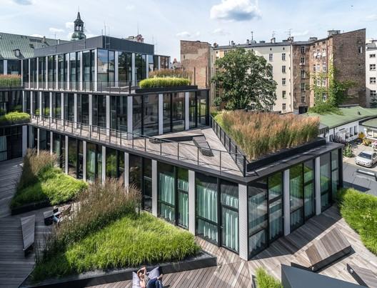 Office Building in Za bramką Street/ Ultra Architects
