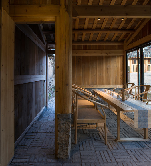 Lotus Chamber -- a teahouse transformed from a old utility room. Image © Meng Zhou
