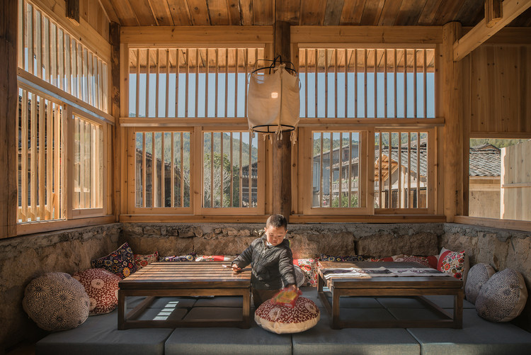 Shangping Village Regeneration - Tai Fu Tai Mansion Area / 3andwich Design / He Wei Studio, Brick bed area of 'Pigsty Bistro'. Image © Meng Zhou