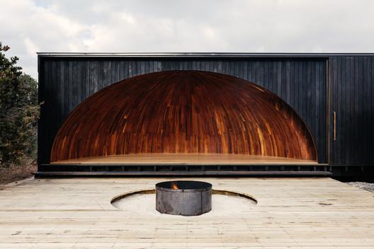 krakani lumi / Taylor and Hinds Architects