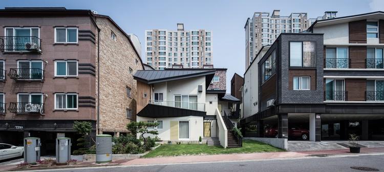 Barbarella House / KDDH, © Kim Yong Soon