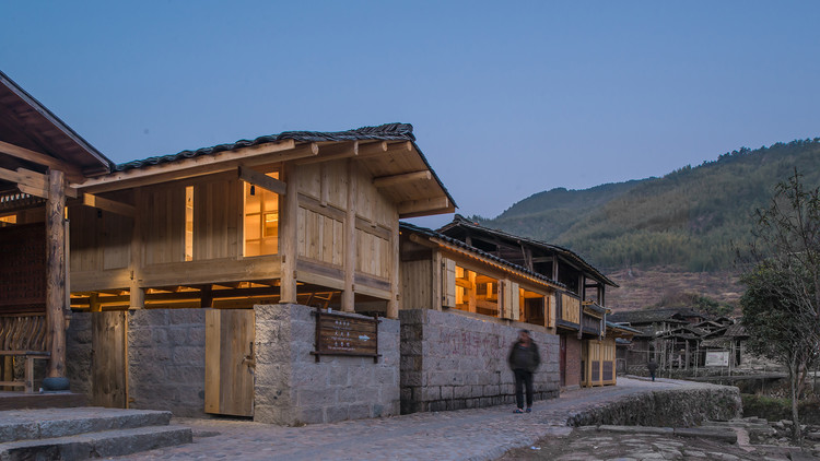 Shangping Village Regeneration - Yang's School Area / 3andwich Design / He Wei Studio, © Meng Zhou