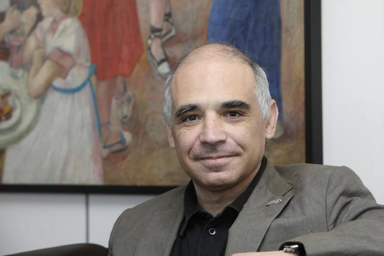 Lluís Comerón Graupera asume presidencia de Consejo Superior de Colegios de Arquitectos de España, Lluís Comerón Graupera, nuevo presidente del CSCAE. Image Cortesía de CSCAE
