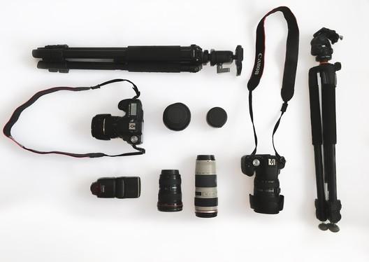 © <a href='https://pixabay.com/en/camera-gear-lens-equipment-1701049/'>AlexBor on Pixabay</a>
