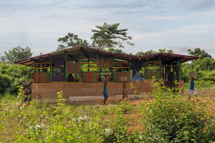 Escola em Gana / Alberto Figueroa, Cortesía de Alberto Figueroa