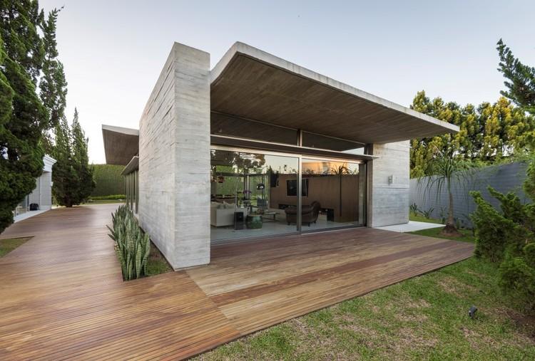 Residência Elache / Elmor Arquitetura, © Fernando Zequinão
