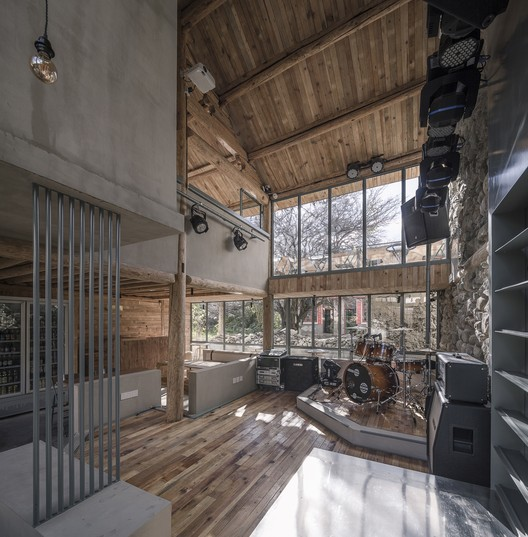 An indoor stage area. Image © Weiqi Jin
