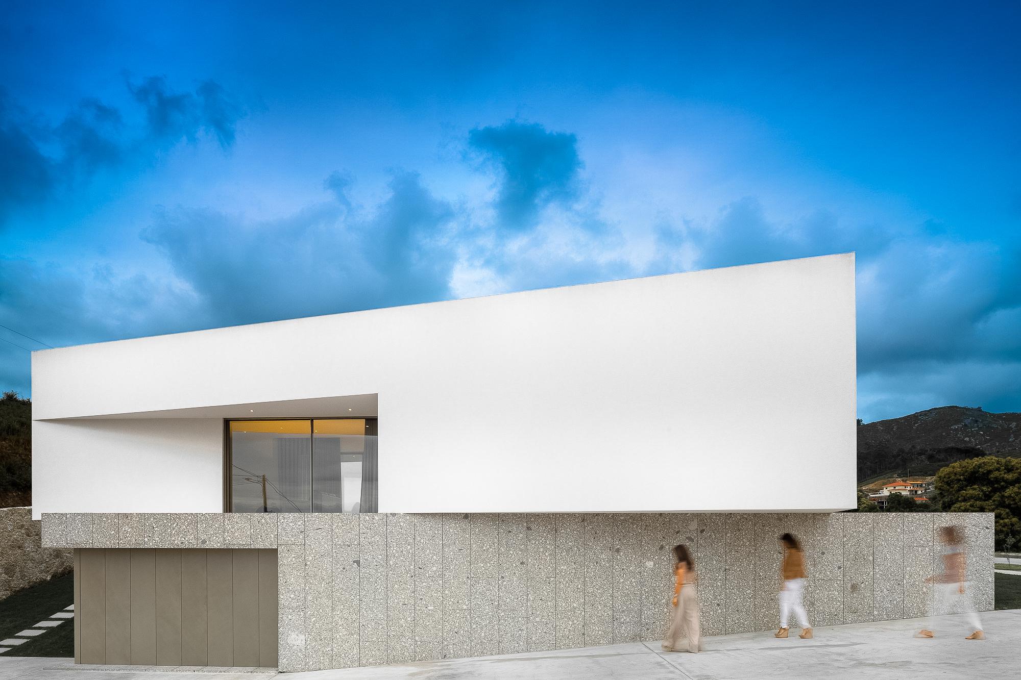 Brunhais House / Rui Vieira Oliveira