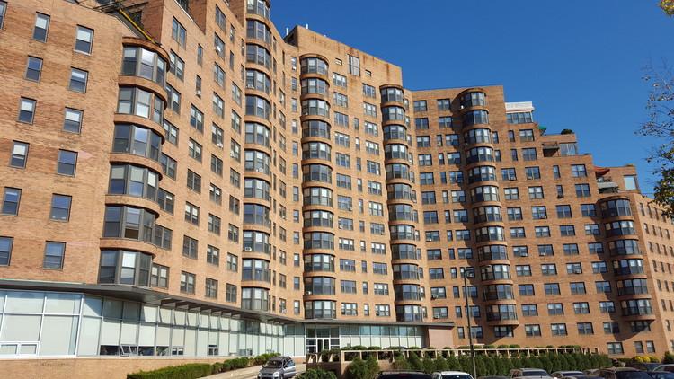 Elizabeth Hirsh Fleisher: la vivienda colectiva en Filadelfia, vía Wikipedia User: Thekohser Licensed Under CC BY-SA 4.0
