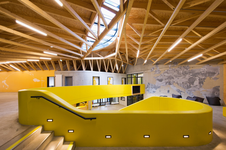 Sports Youth Hostel / LAVA & WENZEL + WENZEL