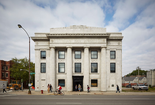 The Stony Island Arts Bank was originally designed by William Gibbons Uffendell and constructed in 1923 as a community savings and loan. The refurbishment was launched by the Rebuild Foundation under the direction of artist Theaster Gates. Image Tom Harris © Hedrich Blessing. Courtesy of Rebuild Foundation