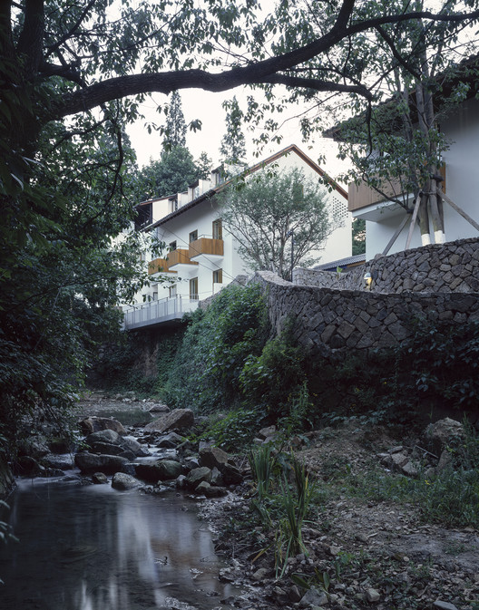 View of River Landscape and The Buildings From the Southeast. Image © Hao Chen