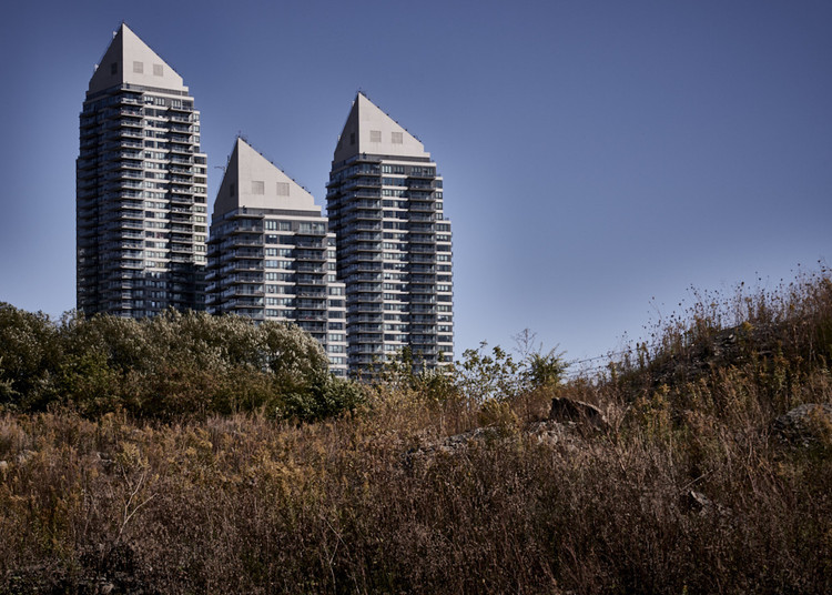 The Politics of Vacancy: The History, and Future, of Toronto's Condo Euphoria, © Manuel Alvarez Diestro