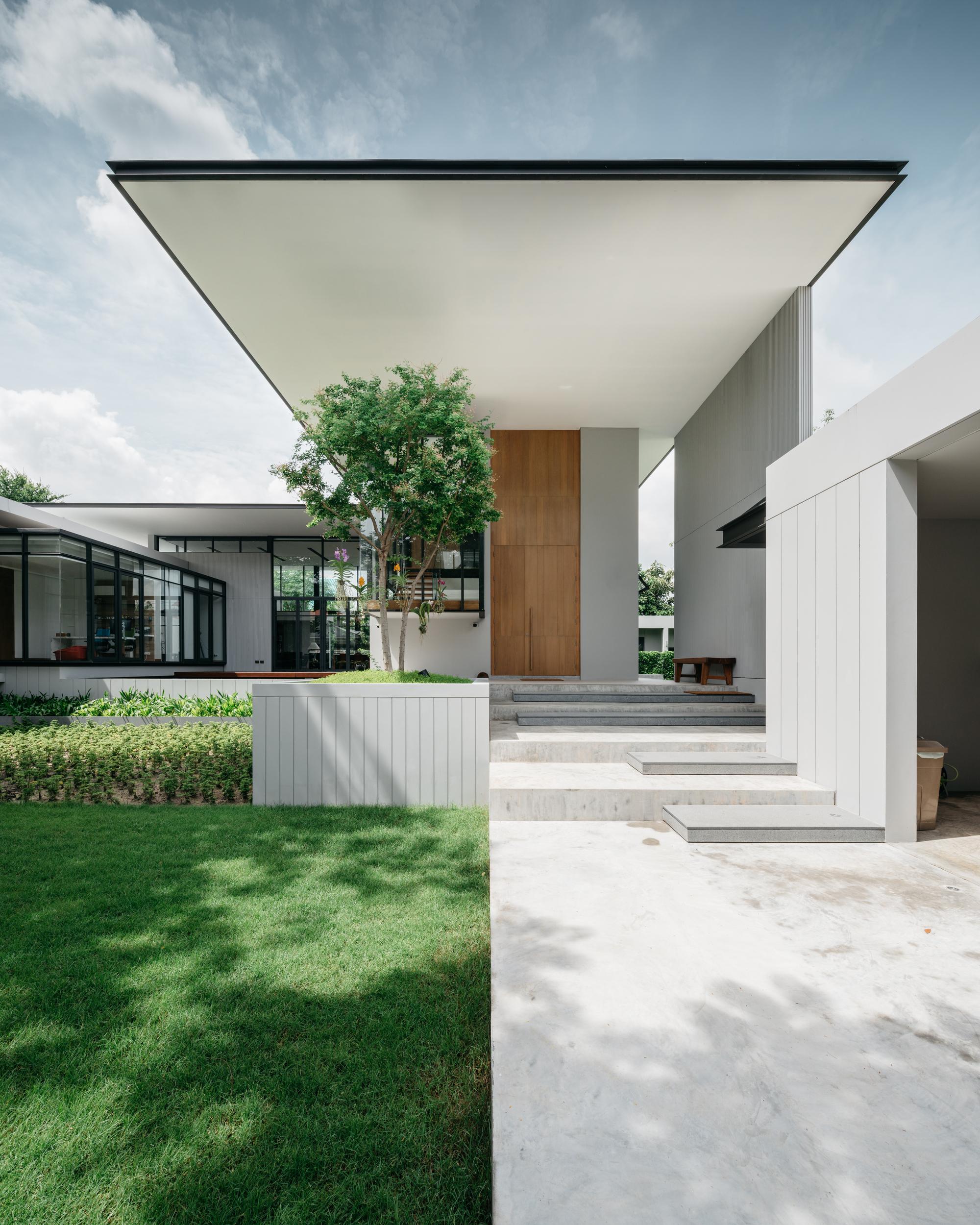 Chicago Modern Architecture Design: Ratchada 18 Residence / AOMO