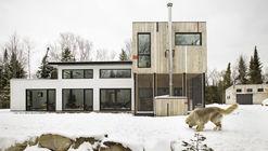 La Maison du Lac Brûlé / Jean-Yves Rouleau