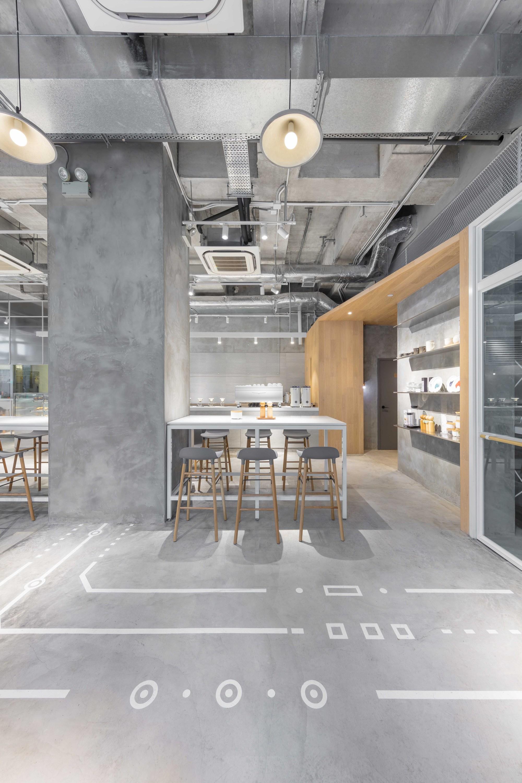 galer a de noc caf co studio adjective 9. Black Bedroom Furniture Sets. Home Design Ideas