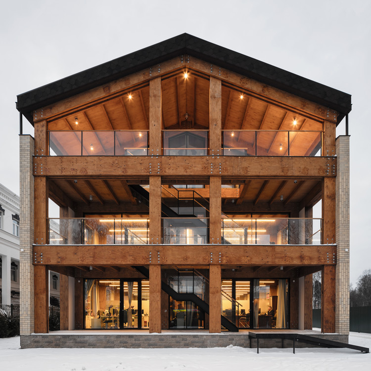 Wooden Office / AB CHVOYA, © Dmitry Tsyrencshikov