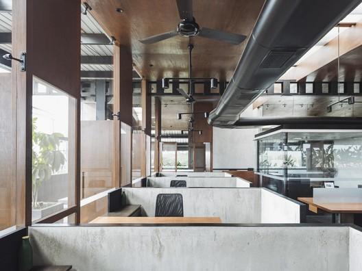Oficina Central de Bellad & Co. / SJK Architects