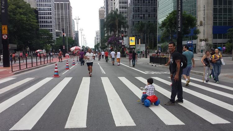 Como podemos planejar cidades que priorizem pedestres?, © Cidade Ativa
