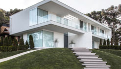 AG House / WRarq + Atelier de Luz