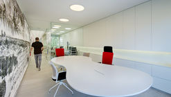 Reforma integral oficinas Grupo Antón / Rocamora Arquitectura